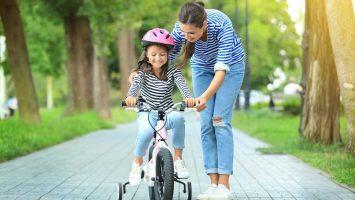 Jak naučit dítě šlapat na kole