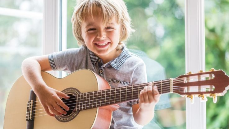 Kdy začít s hrou na hudební nástroj