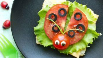 Jak naučit děti jíst